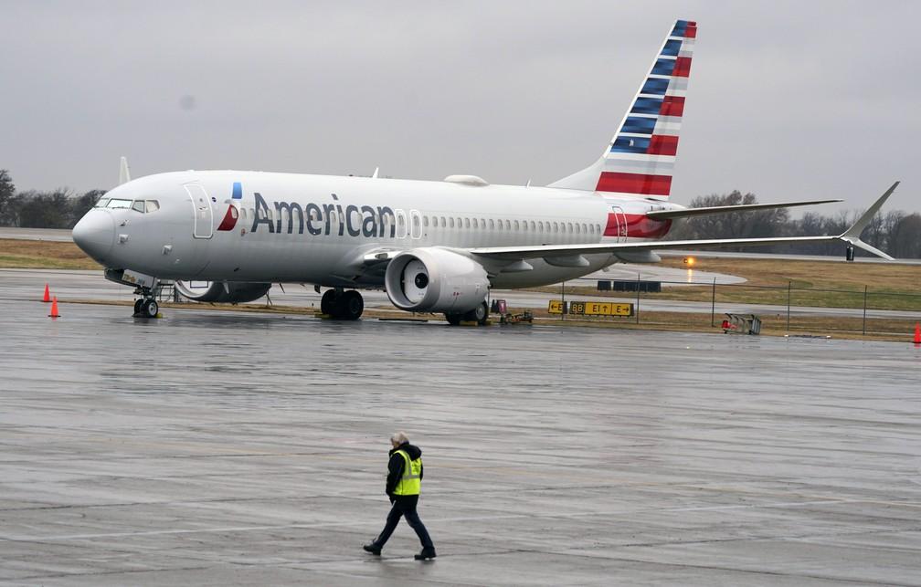 Boeing 737 Max da American Airlines volta a voar — Foto: AP
