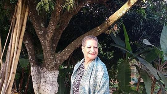 Ex-BBB Geralda Diniz se acha sensual e rebate críticas, aos 64 anos: 'Vamos calar o preconceito'