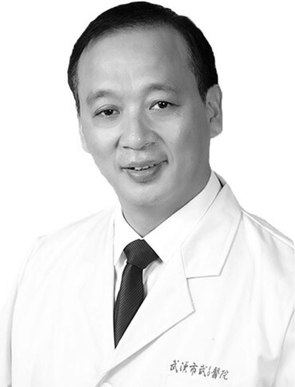 Liu Zhiming, diretor de um hospital em Wuhan, na China, morreu nesta segunda-feira (17) por Covid-19, segundo jornal chinês — Foto: Reprodução/Twitter People's Daily, China