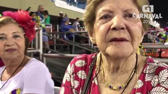 Idosa de 93 anos tem 26 anos de Sapucaí e torce para a Mangueira