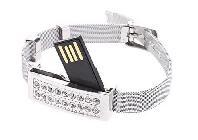 Pen drive escondido em pulseira pode armazenar até 2 GB (Foto: Divulgação/MiniInTheBox)