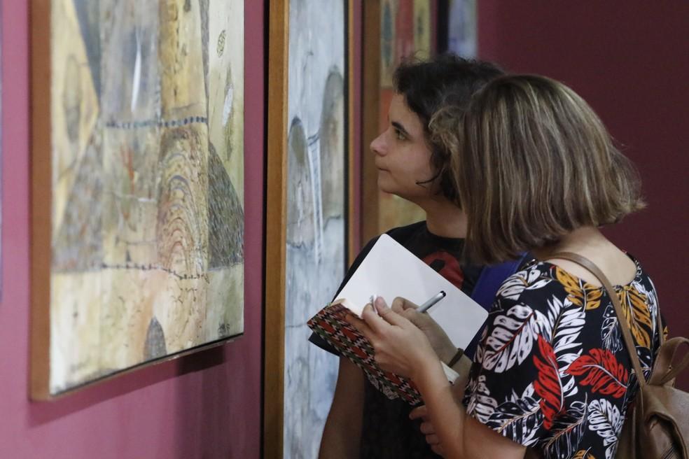 -  Estudantes visitam exposição no Mabe  Foto: Agência Belém