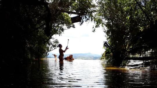 Novo parque e roteiros particulares são apostas para explorar limitação do total de turistas em Ibitipoca