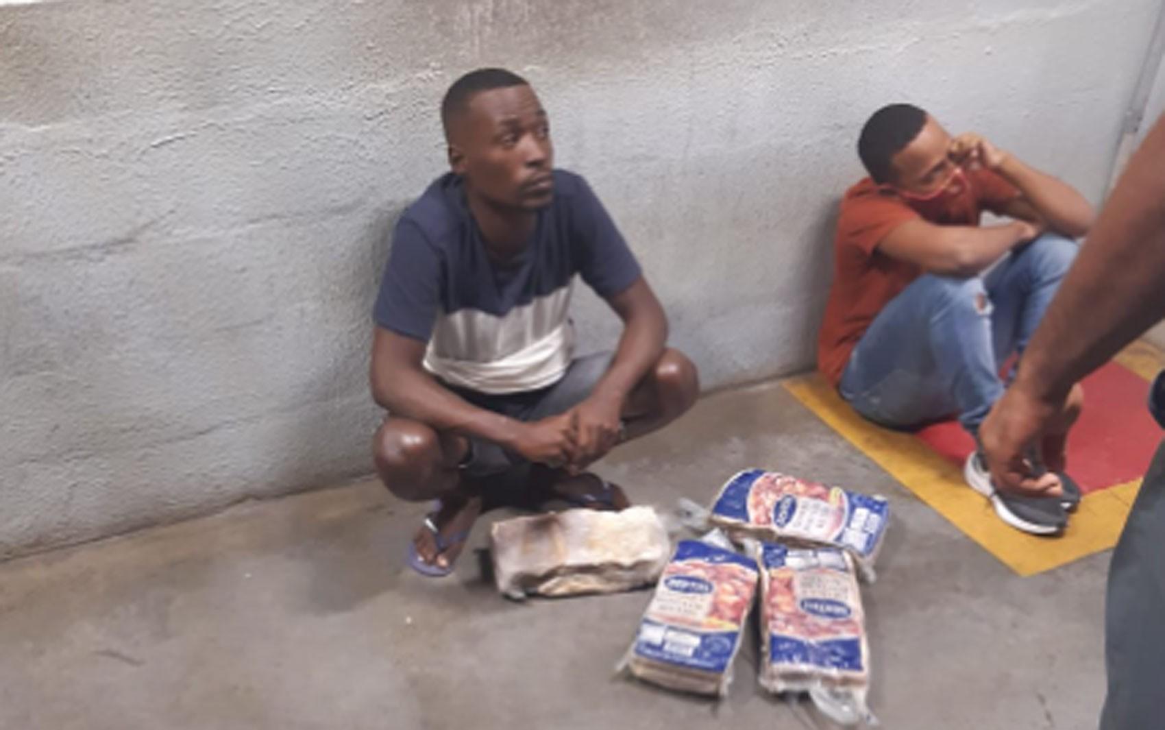 Entidades acionam Justiça e pedem que supermercado faça 'reparação coletiva' por mortes de homens após suspeita de furto de carne na BA