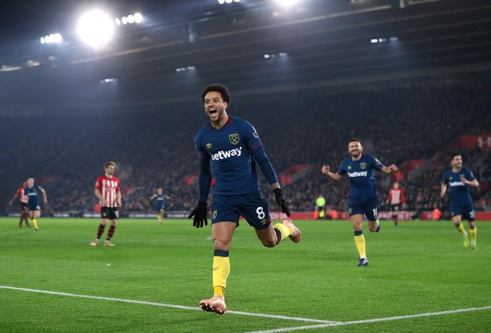 2242cc3473db5 ... Felipe Anderson comemora seu segundo gol na vitória do West Ham sobre o  Southampton — Foto