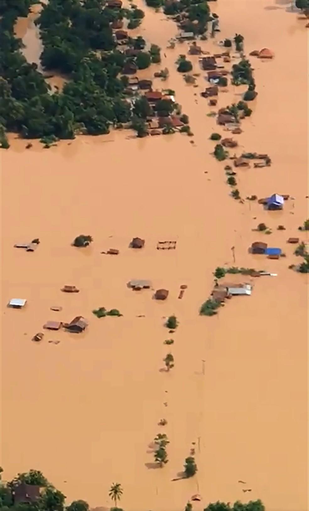 laos1 - Represa se rompe e deixa centenas de desaparecidos no Laos