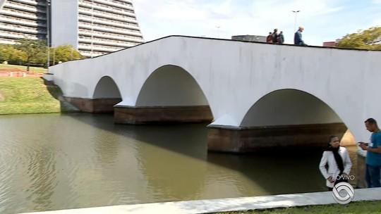Revitalizado, Largo dos Açorianos é inaugurado e entregue em Porto Alegre