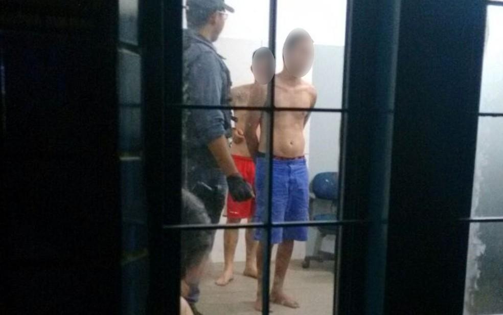 -  Vizinhos chamaram criança de 6 anos para assistir filme, abusaram dela e foram presos em Cuiabá  Foto: Leandro Trindade/TVCA