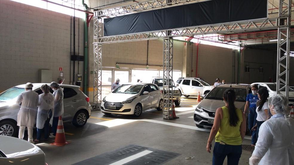 Ponto de vacinação contra Covid-19 em drive thru, na Arena das Dunas, em Natal (Arquivo) — Foto: Kleber Teixeira/Inter TV Cabugi