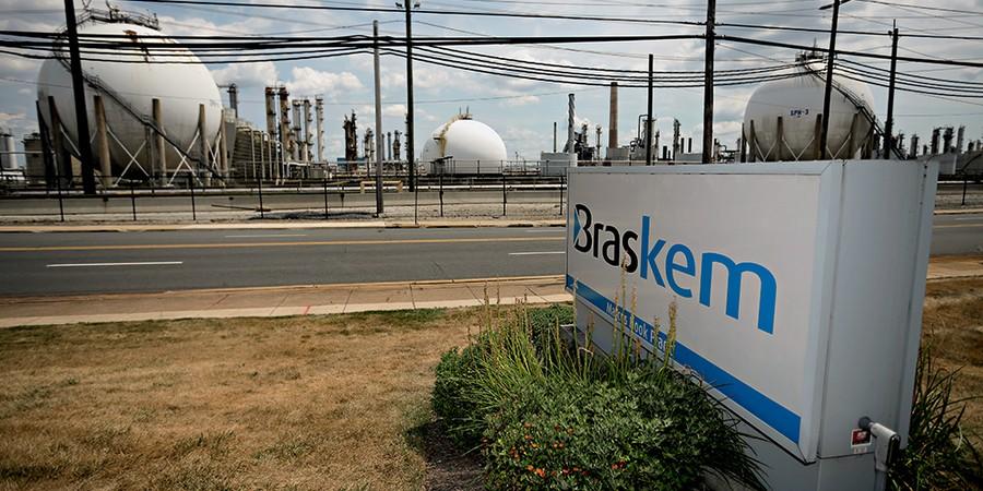 A GRANDE Instalação da petroquímica Braskem. A empresa constrói a sexta planta nos Estados Unidos desde 2010 (Foto: Matt Slocum/Glow Images)
