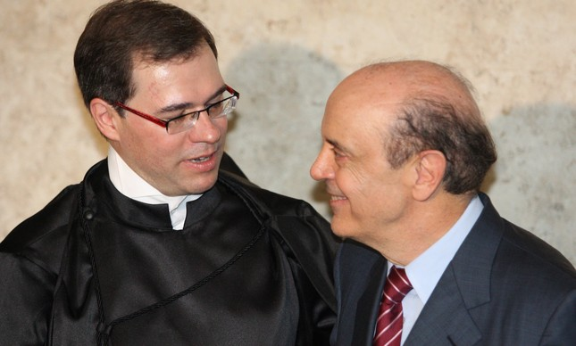 O então governador José Serra na posse do ministro Dias Toffoli