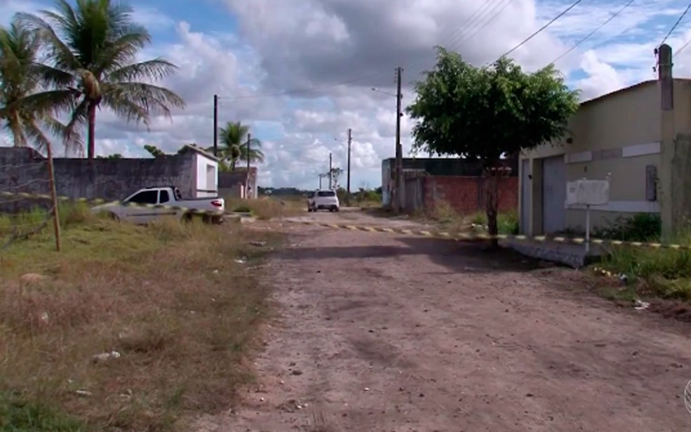 Rua onde ocorreu o chacina em Porto Seguro (Foto: Reprodução/TV Santa Cruz)
