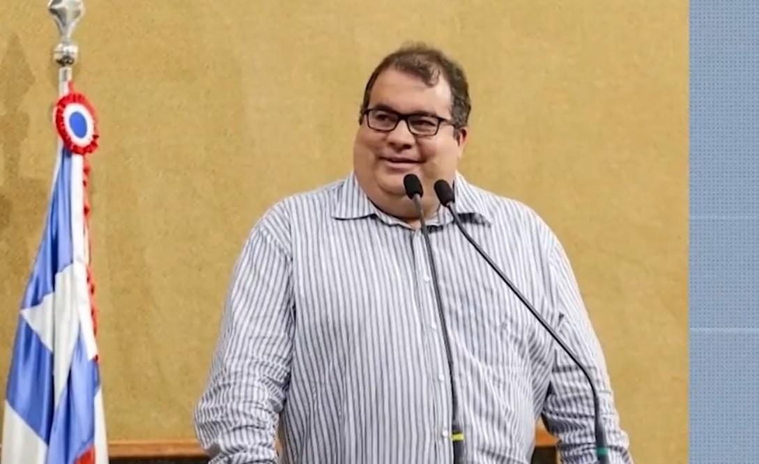 Justiça Federal determina retorno do prefeito de Jequié afastado em operação da PF contra fraudes e desvios de verba ao cargo