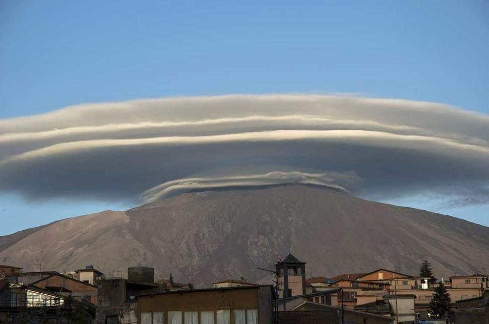 ETs no alto de Etna?
