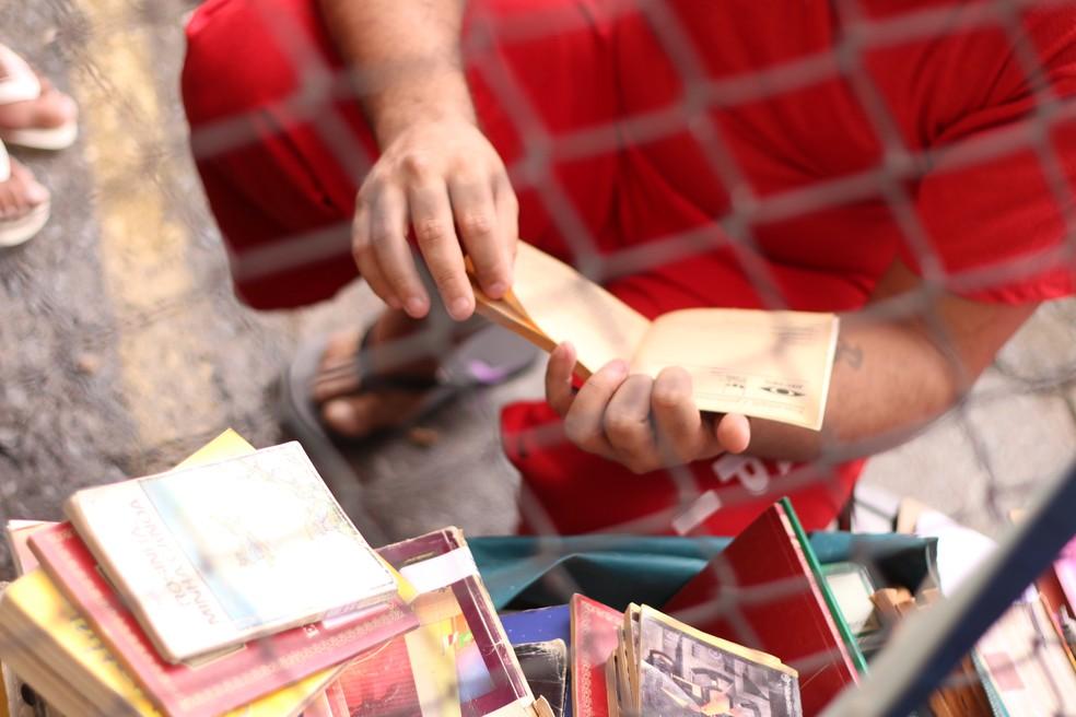 Projeto Remição pela Leitura ajuda mãe a lidar com perda de filho em Botelhos (MG) — Foto: Guga Sarges
