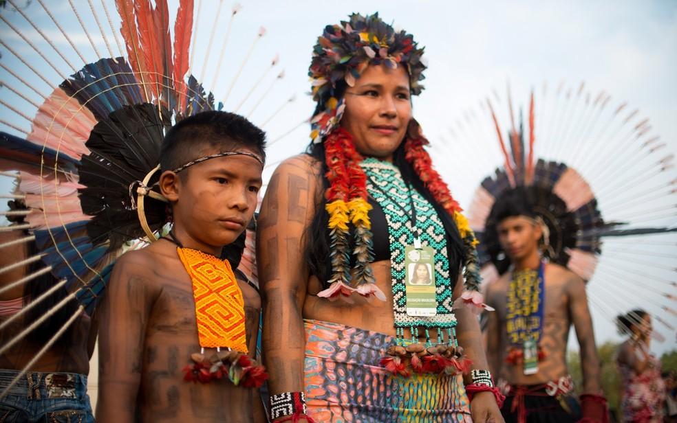 Índios Karajá Xambioá se reúnem em área próxima a Aldeia Okara, em Tocantins, para 1ª edição dos Jogos Mundiais dos Povos Indígenas (Foto: Marcelo Camargo/Agência Brasil)