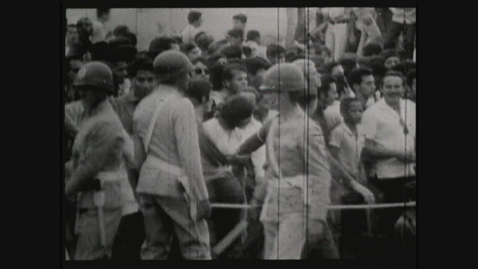 Militares na UnB em 1968 (Foto: TV Globo/Acervo)