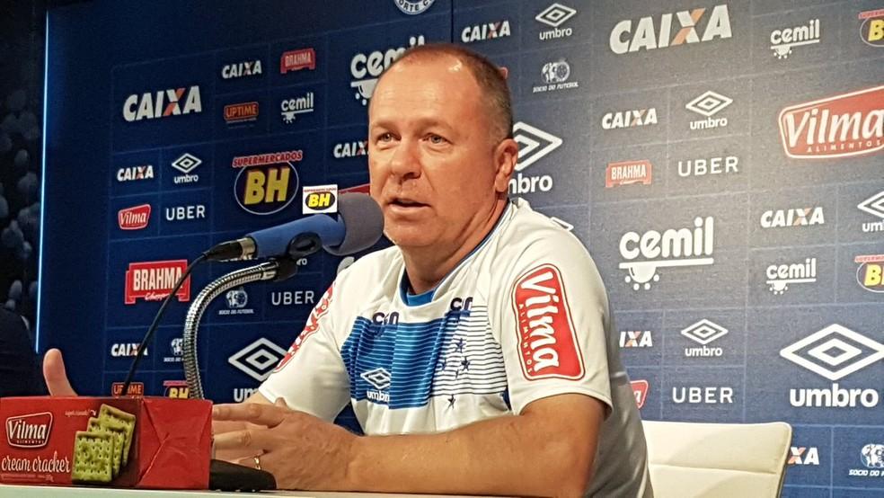 Mano Menezes espera definição do próximo presidente para saber se vai continuar no Cruzeiro (Foto: Mauricio Paulucci)