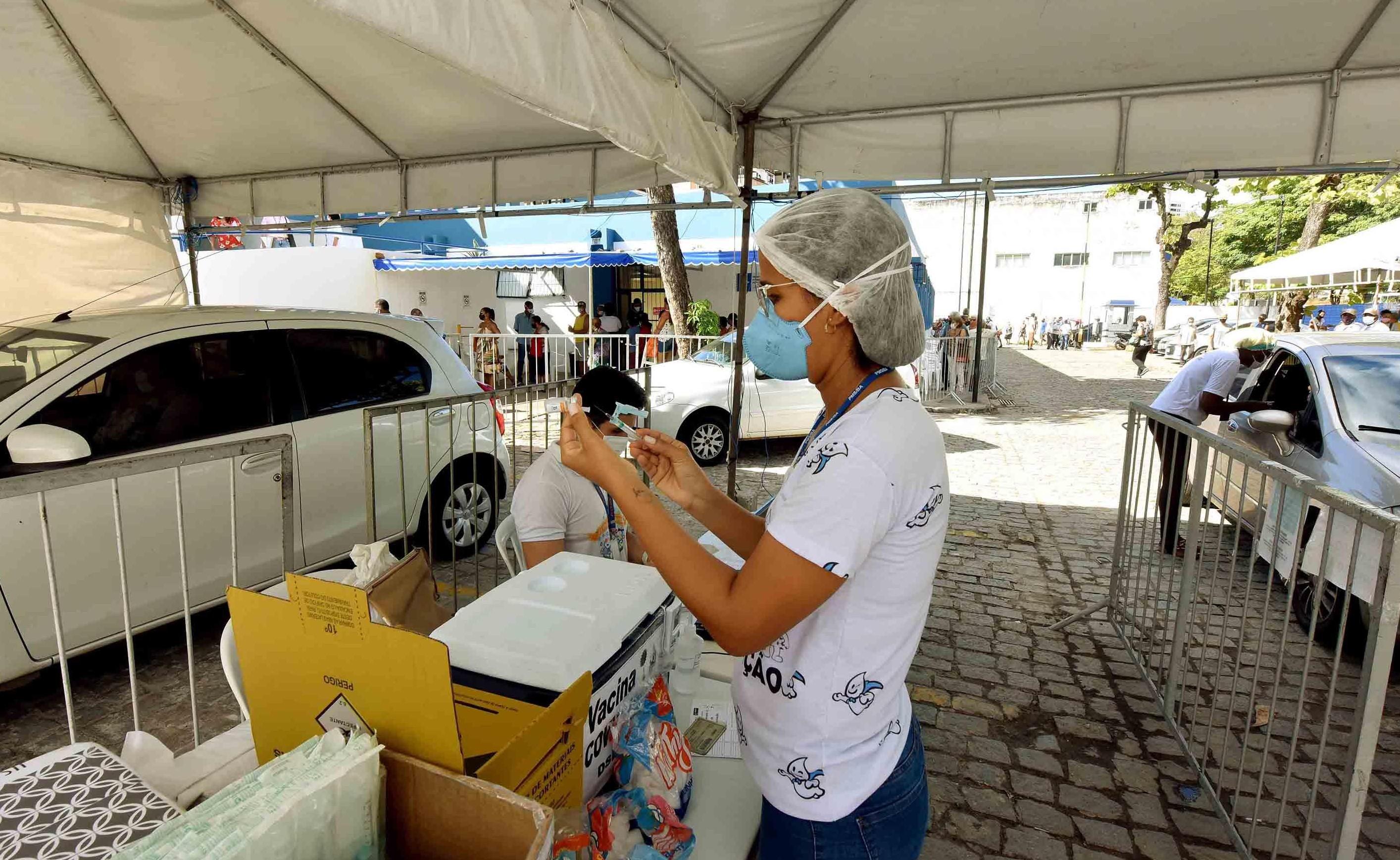 Vacinação contra a Covid-19 em Salvador será apenas para aplicação da 2ª dose neste domingo; veja postos