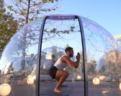 Cada um na sua bolha: estúdios de ioga criam alternativa para manter distanciamento
