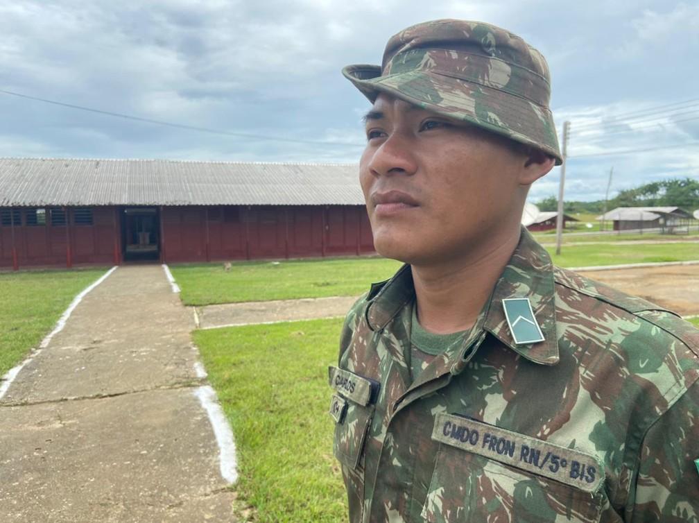 CALHA NORTE - Carlos Vieira Garcia, de 24 anos, é da etnia Piratapuia e faz parte da equipe militar do 1º PEF no povo Iauaretê.  — Foto: Mayara Subtil/Rede Amazônica