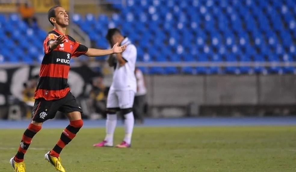 b47e005dec9f9 ... Rafinha brilhou na última vez que Vasco e Flamengo jogaram no Nilton  Santos