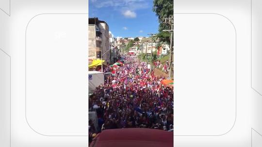 Dentro da festa: veja vídeo feito por Nilton de cima do ônibus do Bahia