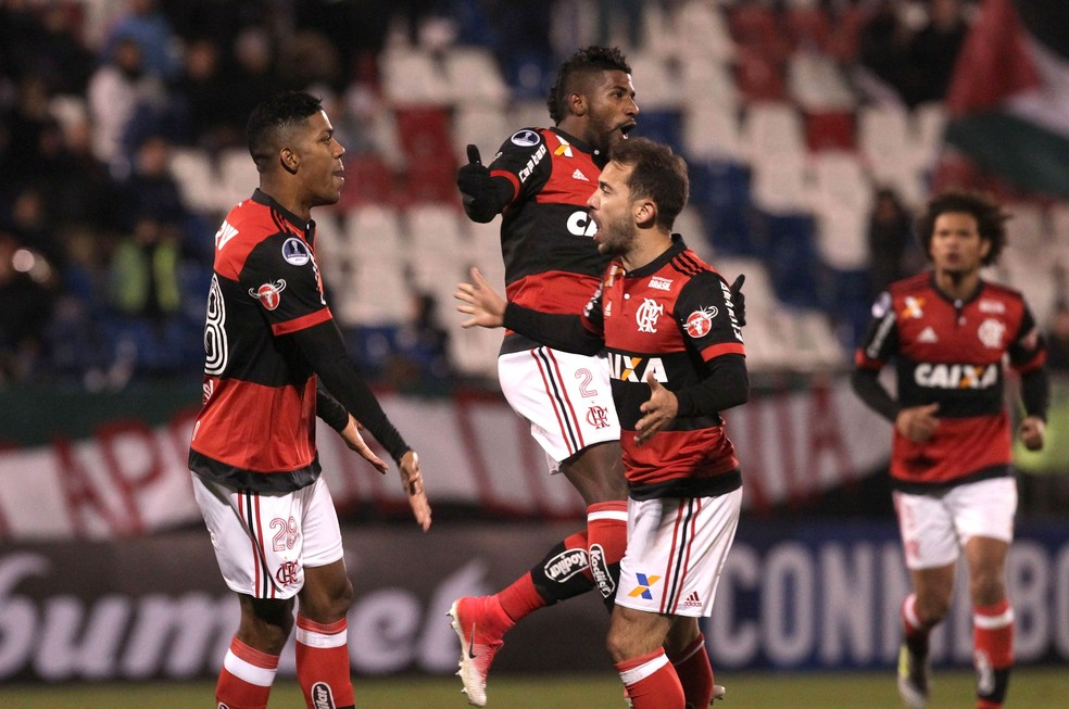 Everton comemora com Berrio, Rodinei e Arão vitória sobre o Palestino — Foto: Staff Images/Flamengo