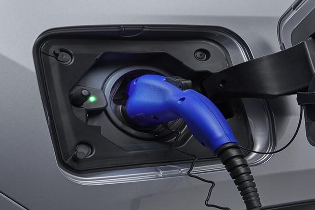 Cabo de energia da Toyota RAV4 PHEV (Foto: Divulgação)