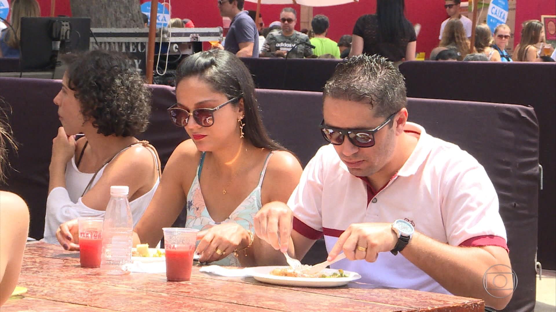 Centenas de pessoas participam do 'Festival Fartura', em Belo Horizonte
