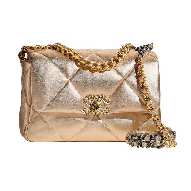 Chanel (a partir de R$ 44.910) (Foto: Acielle/Style du Monde (Hermès), Juliete Bayen (Reinaldo Lourenço), Rafael Evangelista, Scott Trindle (Ports 1961), Reprodução/Instagrame Divulgação. Produção de moda: Neel Ciconello Morikawa)