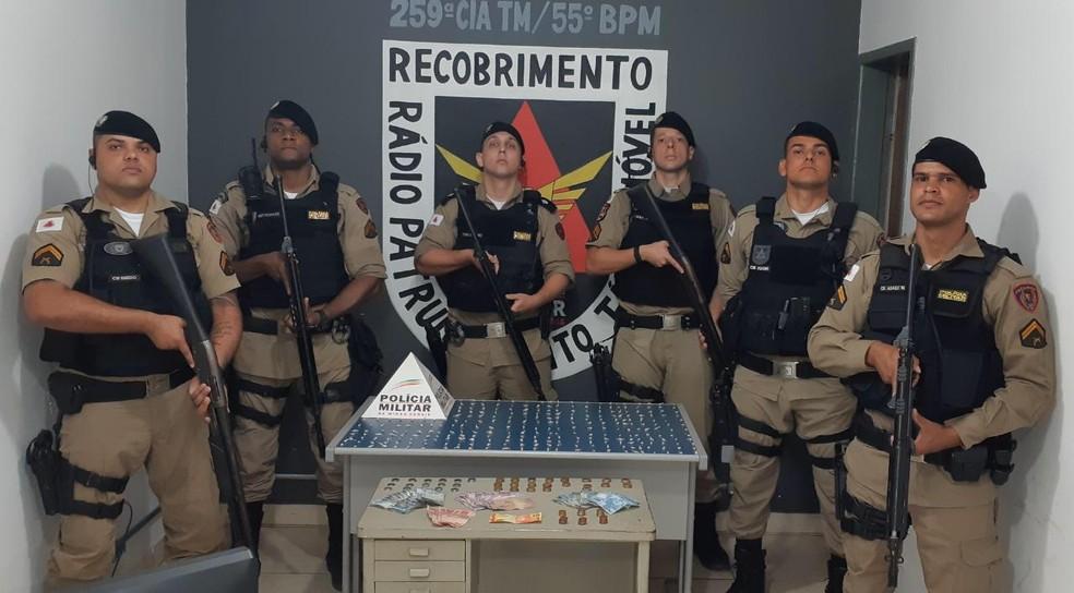 Equipe que atuou na ocorrência — Foto: Polícia Militar / Divulgação