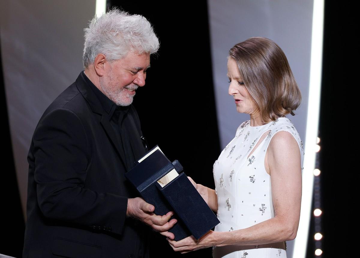 No Festival de Cannes, Jodie Foster recebe Palma de Ouro honorária e elogia Almodóvar | Cinema
