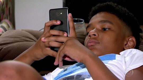 49% dos jovens brasileiros têm celular como melhor amigo