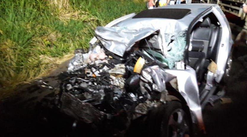 Acidente entre carro e caminhão deixa dois mortos na BR-282 no Oeste de SC