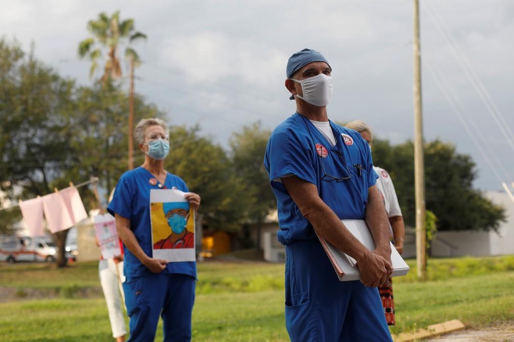 Manifestação de enfermeiros em Saint Petesburg, na Florida, em 15 de julho de 2020 — Foto: Octavio Jones/Reuters