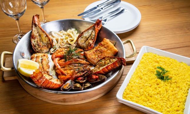 Rede de pescador: prato exalta frutos do mar do Nordeste