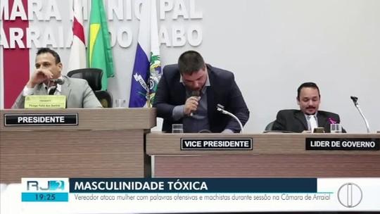 Vídeo mostra vereador atacando mulher com palavras machistas em sessão: 'feijão tá no fogo titia'