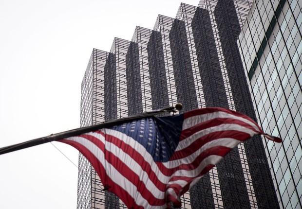 Bandeira dos Estados Unidos é vista em Nova York ; economia americana ; PIB dos EUA ;  (Foto: Drew Angerer/Getty Images)