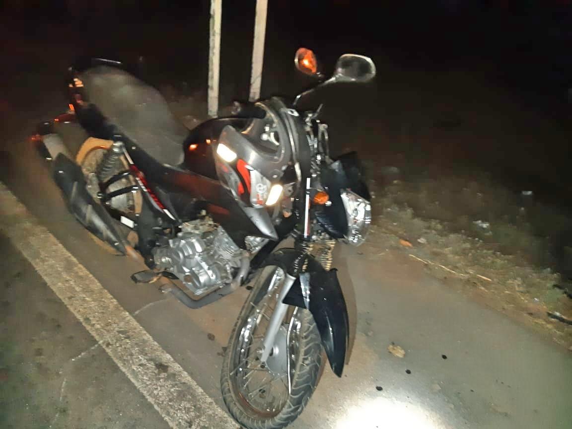 Homem morre após moto bater em traseira de caminhão na BR 407, em Petrolina - Notícias - Plantão Diário