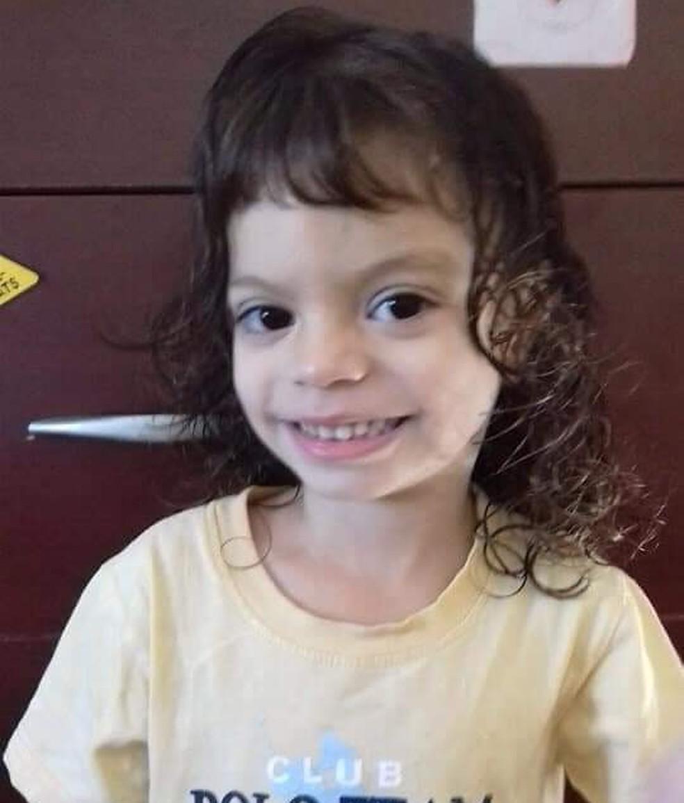 Giovana Mendes, de 4 anos, teve uma parada cardiorrespiratória e não resistiu — Foto: Arquivo Pessoal