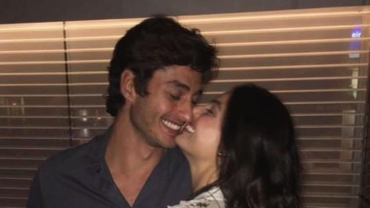 Isis Valverde celebra chegada de Rael: 'Nosso amor maior está em meus braços'