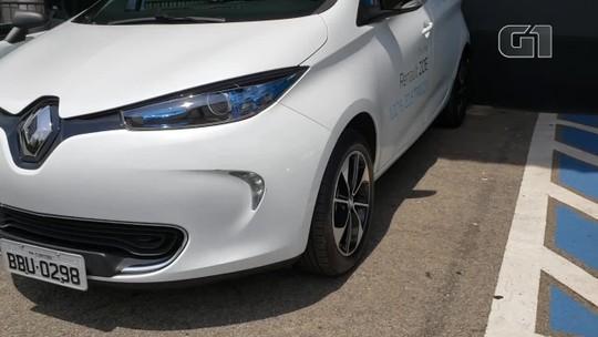 Salão do Automóvel tem test-drive de carros elétricos; público conta como é dirigir pela primeira vez