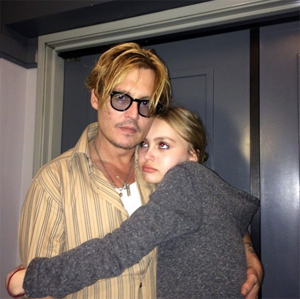 Johnny e Lily-Rose Depp (Foto: Instagram)