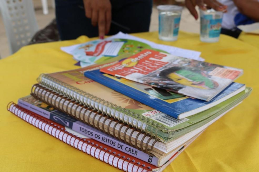 Stand recebe doação de livros no Teresina em Ação (Foto: José Marcelo/G1)