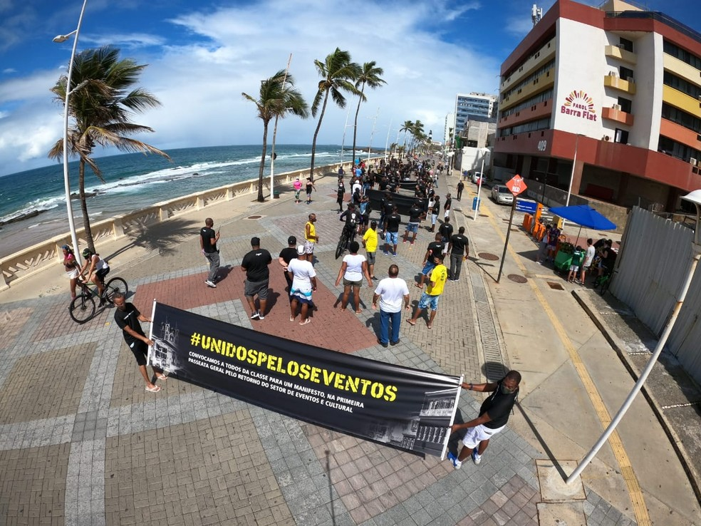 Manifestantes pedem a retomada de eventos em Salvador — Foto: Equipe Rapox