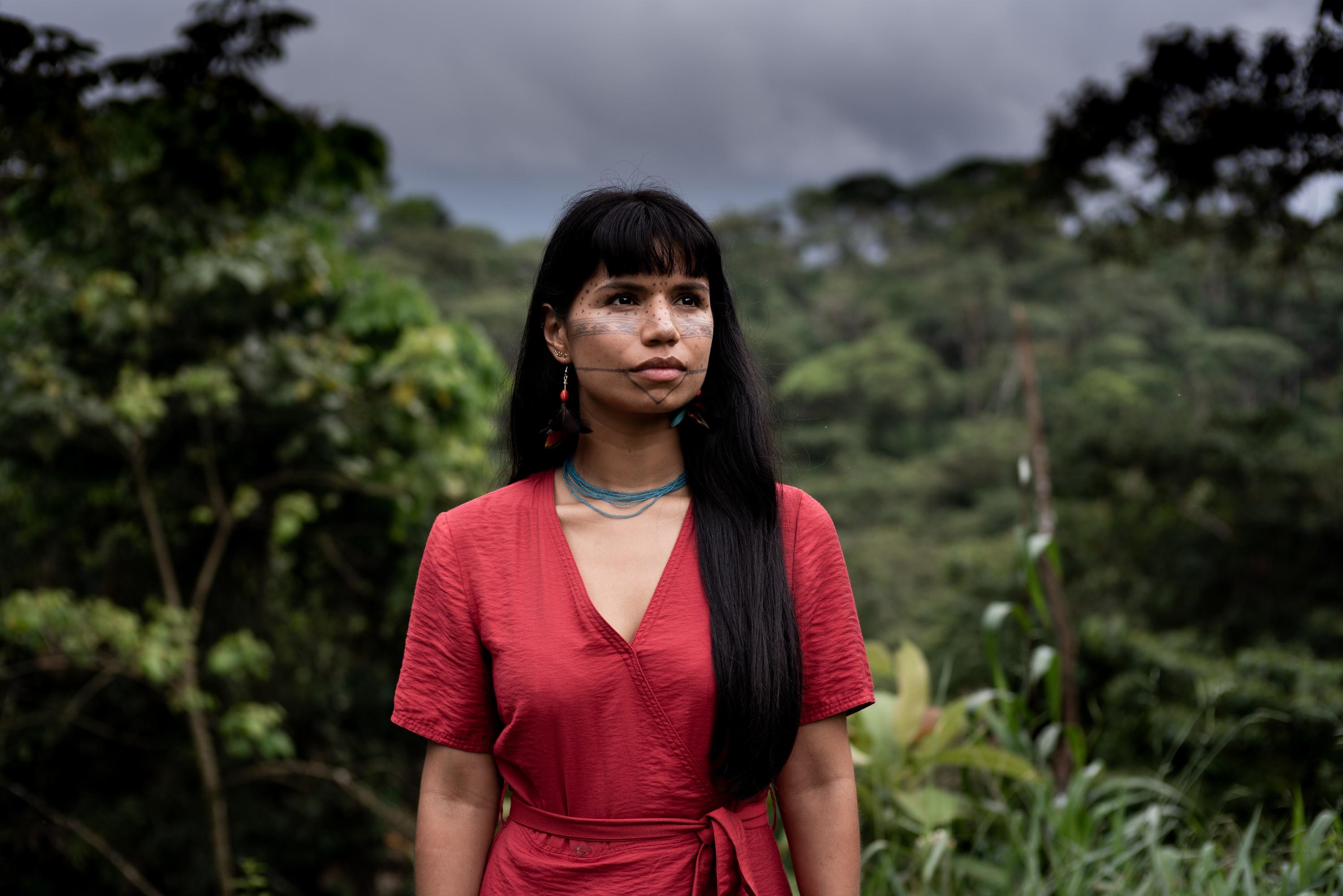 Nina no encontro do Dia Internacional da Mulher de lideranças indígenas e nações de toda a Amazônia equatoriana organizada pela Confederação dos Indígenas Nacionalidades do Equador (CONAIE) (Foto: Alice Aedy)