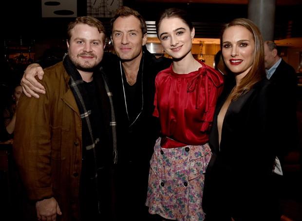 Brady Corbet, Jude Law, Raffey Cassidy e Natalie Portman (Foto: Getty Images)