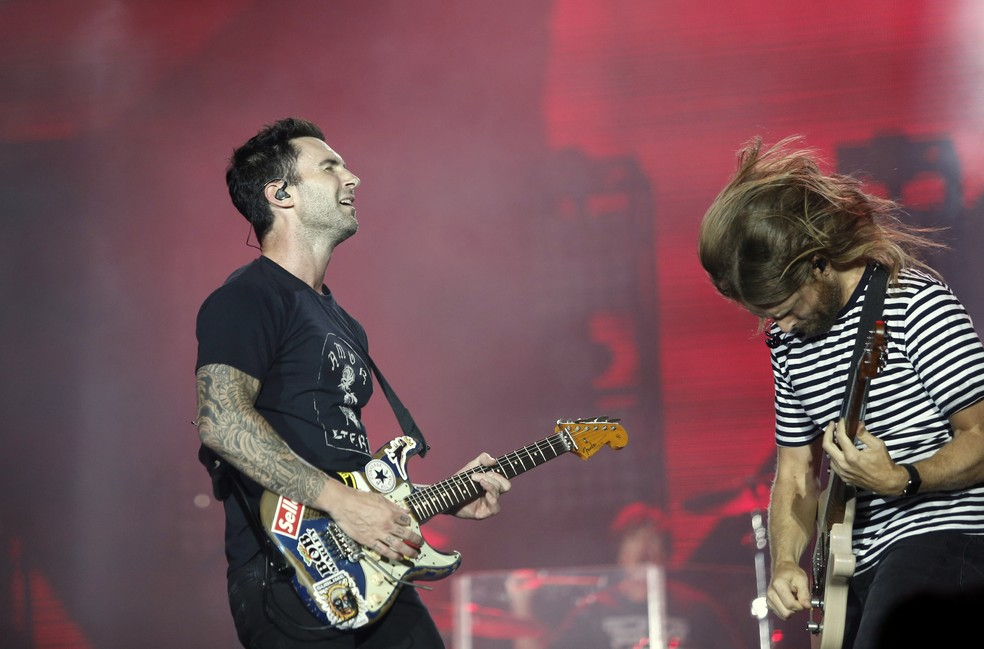 -  Adam Levine e o guitarista James Valentine no show do Maroon 5 no 1º dia de Rock in Rio 2017...  Foto: Marcos Serra Lima/G1