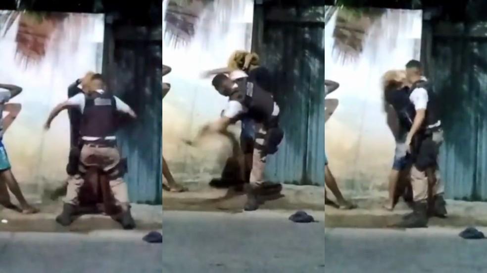 Moradores registram agressão policial a jovem no subúrbio de Salvador — Foto: Reprodução/Redes Sociais